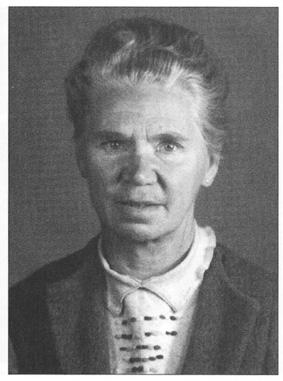 Eleonore Baur mit 61 Jahre.jpg